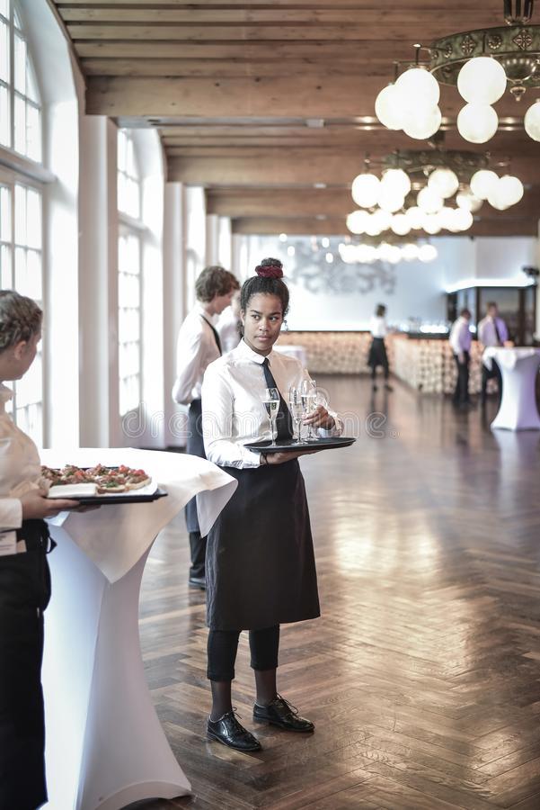 my-hostess | Netzwerk für Messepersonal, Servicepersonal und Eventpersonal